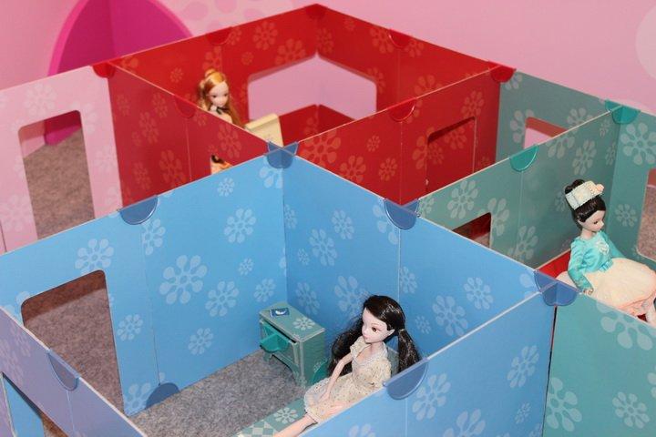 Dolls Walls 1