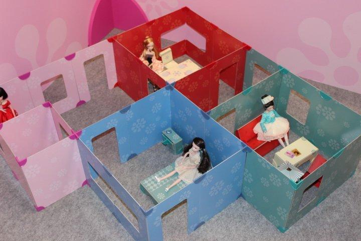Dolls Walls 7