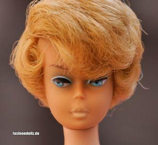 1965 Side part Bubble Cut ash blonde