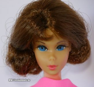 1971 Marlo Flip Barbie, brunette (Straight Eye)