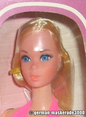 1974 Standard Barbie #8588 Europe
