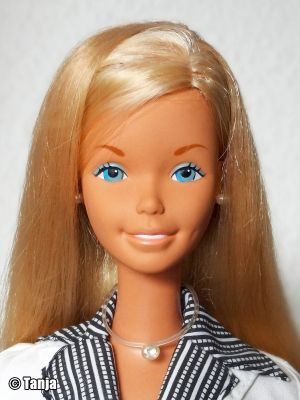 1977 SuperSize Barbie #9828