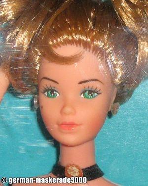 1980 Dolls of the World - Parisian Barbie  #1800