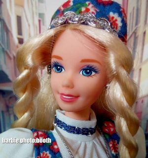 1996 Dolls of the World - Norwegian Barbie #14450