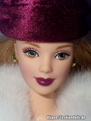 2000 Victorian Ice Skater Barbie #27431 Avon Exclusive