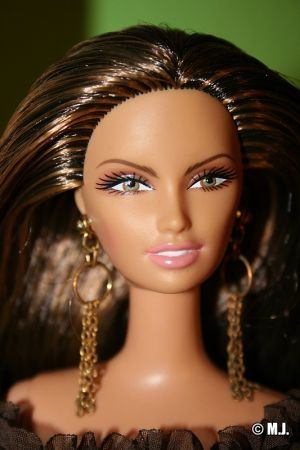 2005     Chocolate Obsession Barbie G8878