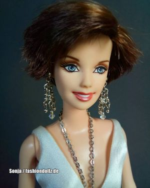 2005 Martina McBride Barbie  G8887