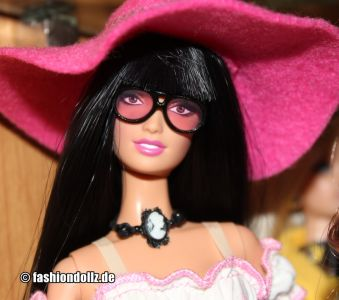 2006 Anna Sui Boho Barbie J8514