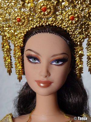 2007 Dolls of the World - Sumatra-Indonesia Barbie L9582