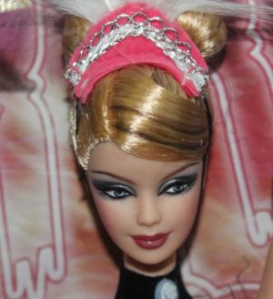 2008 Dolls of the World - France Barbie N4972