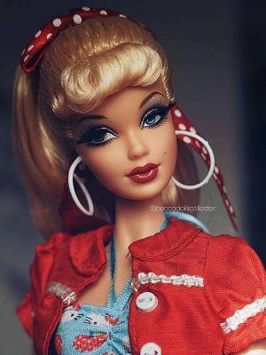 2008 Hello Kitty Barbie  M9958