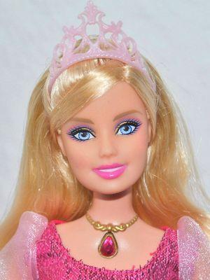 2009 Barbie & The Three Musketeers - Singing Corinne R3971
