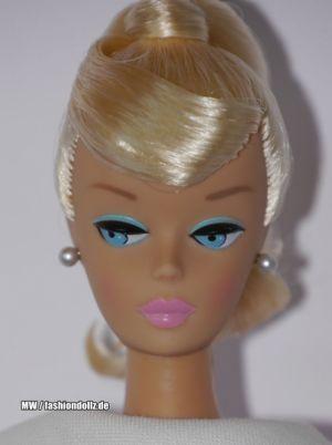 2009 Swirl Ponytail Barbie Repro T1373