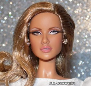 2010 Dr. No Barbie - James Bond  R4464