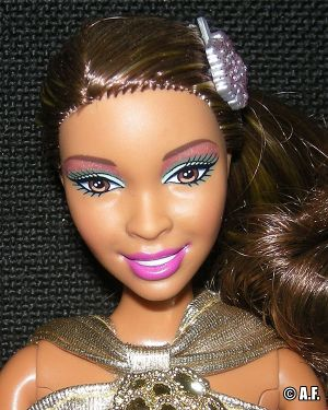 2010 Fashionistas Swappin' Styles Wave 1 Artsy Extra Head T9129