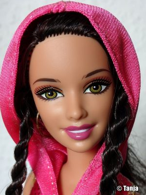 2010 Fashionistas Wave 2 Sporty Doll T3326