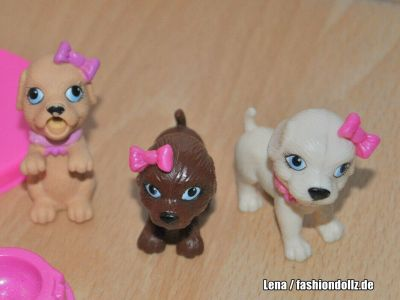 2010 Barbie, Taffy & Puppies Playset M4215
