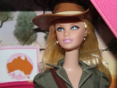 2011 Dolls of the World - Australia Barbie W3321