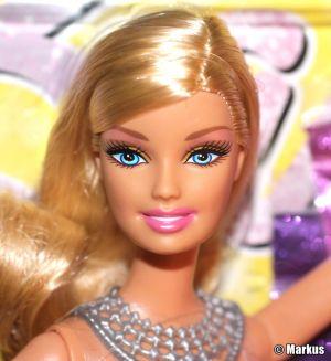 2011 Glitter Glam Vac / Glitzer Sauger Barbie V4594