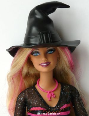 2011 Halloween Party Barbie V4414
