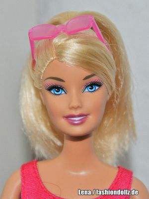 2011 I can be... Lifeguard Barbie T9560