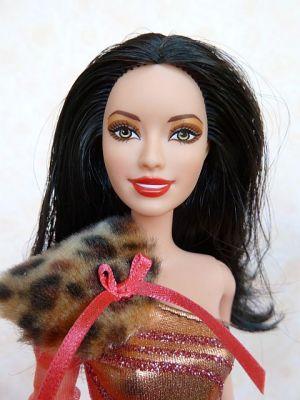 2012 Fashionistas Clutch Wave 2 Wild Raquelle #X2277