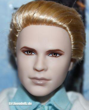 2012 Twilight Breaking Dawn II Dr Carlisle X8246
