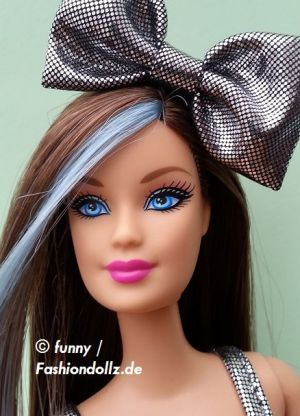 2013 Hairtastic / Glam Hair Wave 1 Barbie - blue X7884