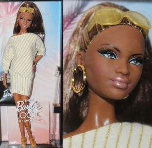 2012 The Barbie Look - City Shopper AA X8257