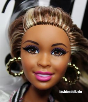 2014 Barbie Style Glam Luxe Wave 2 Nikki