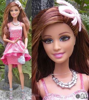 2014 Barbie Style In the Spotlight Teresa CCM04