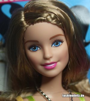 2015 Barbie Style - Glam Vacation Barbie CFN06