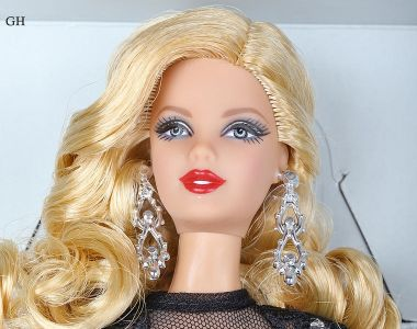 2015 Classic Evening Gown Barbie CGT31