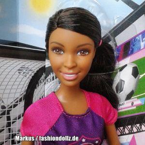 2015 Barbie Careers - Soccer Player CKH44