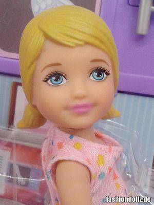 2016 Barbie Careers - Pediatrician & Patient DKJ12