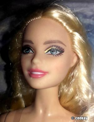 2016 Holiday Barbie, blonde DGX98