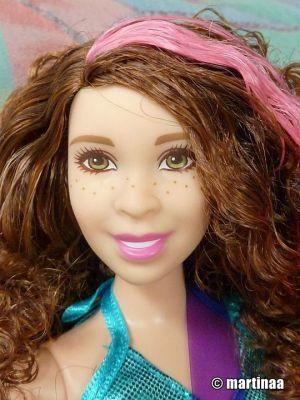 2017 Barbie Careers - Pop Star (Curvy) DVF52