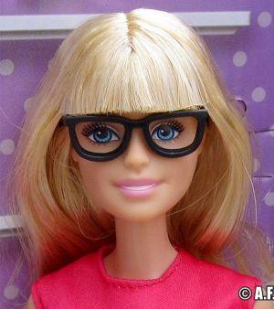 2017 Office Barbie / Büro Barbie Playset DVX52