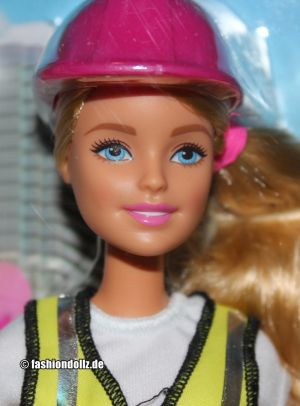 2017 Barbie Careers - Builder / Bauleiterin #FCP76