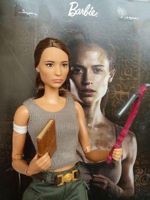 2018 Alicia Vikander - Lara Croft Barbie, Tomb Raider (2)