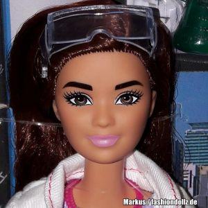 2018 Barbie Careers - Scientists / Wissenschaftlerin FJB09