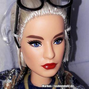 2018 Barbie styled by Iris Apfel #2 FWJ28