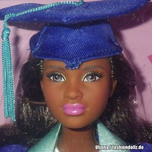 2018 Graduation Day Barbie AA FMP25