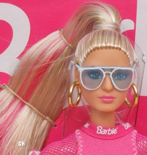 Puma Barbie DWF59 mit Louboutin Face