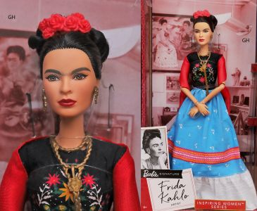 2018 Inspiring Women - Frida Kahlo Barbie #            FJH65