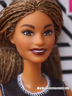 2019 Fashionistas - Wave 2 #123 Barbie FXL56