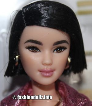 2019 Barbie styled by Chriselle Lim GHL77