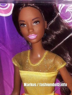 2019 Ultimate Curls Barbie AA GBK25