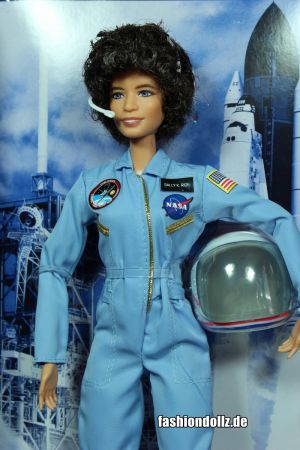 2019 Inspiring  Woman - Sally Ride Barbie #  FXD77
