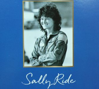 2019 Inspiring Woman - Sally Ride Barbie #FXD77